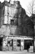 "Die ""Ruine"" in Berlin am Winterfeldplatz 1981"